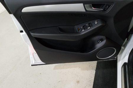 Retail View 17 Audi Q5-13